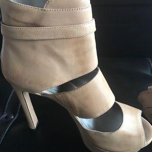 Vince Camuto tan heels